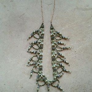 Jewelry - Hand-beaded necklace